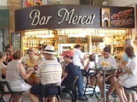 Bar en markt in Javea in de regio Alicante in Spanje